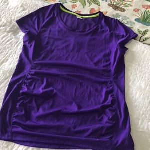 Old Navy Go Dry Maternity Workout shirt
